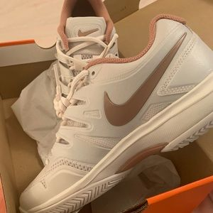 NIKE AIR ZOOM! SIZE 8 BRAND NEW!$135.00org.$149.00